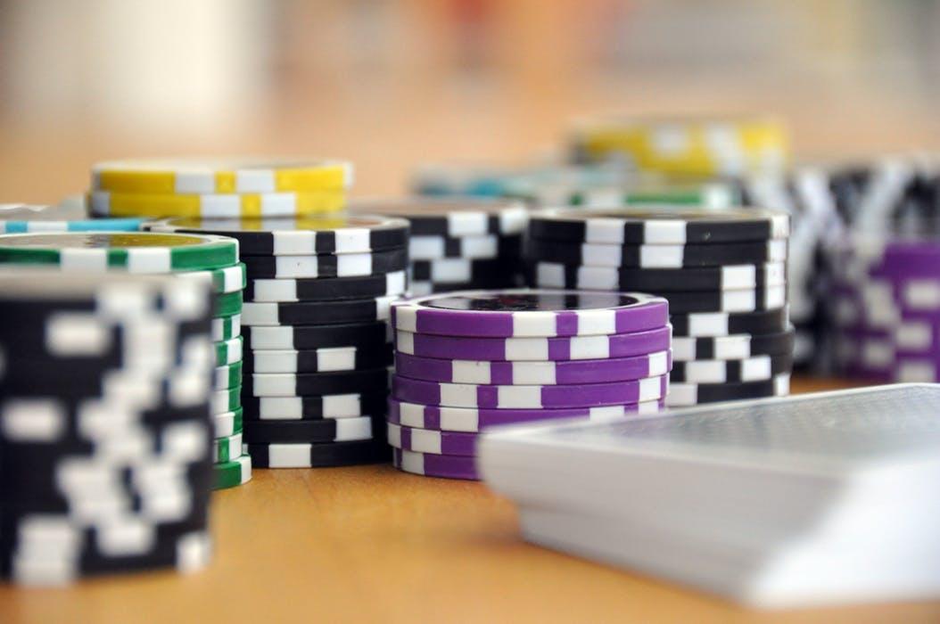 Bookmaker med odds og online casino samlet et sted – med velkomstbonus ovenikøbet